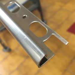 Terminale H 10 mm L 2700 mm angolare in acciaio INOX