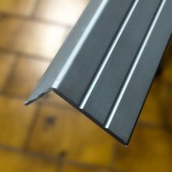Profilo per scale 24,5 x 17 x 2700 mm alluminio anodizzato argento senza fori