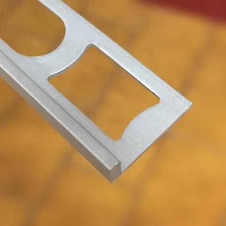 Profilo decorativo 4,5 spessore pavimento x 2700 mm alluminio anodizzato argento