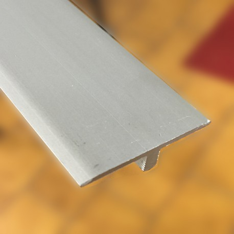 Giunto di separazione in alluminio anodizzato argento in barre da 2700 mm spessori da mm 6,5/22,6
