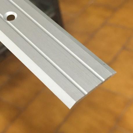 Copri soglia 25 x 2,2 x 2700 mm alluminio anodizzato argento forato